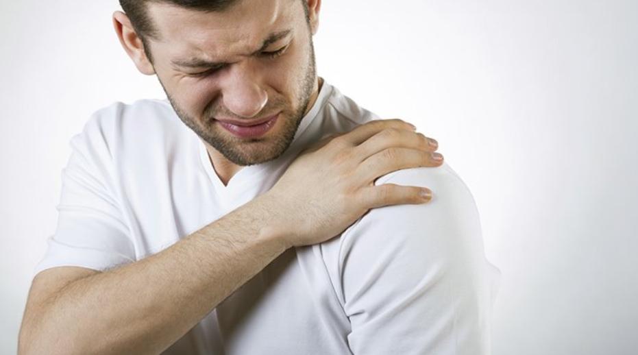 Shoulder braces for dislocation